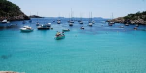 Alquiler de Barcos en Ibiza: Independiente vs trasbordo