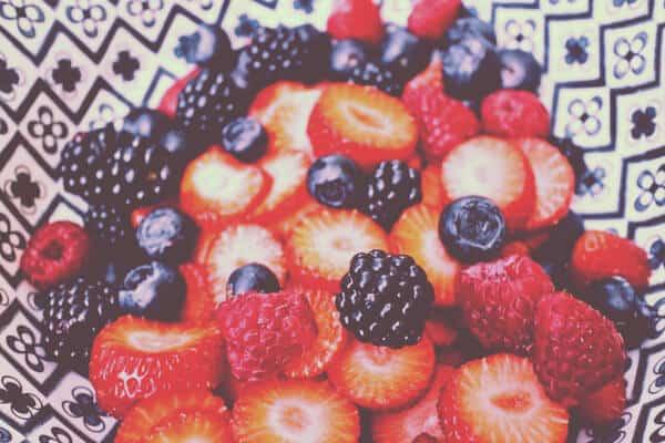 Frutos del bosque con fresas