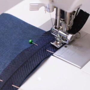 ¿Cómo coser una cremallera paso a paso?